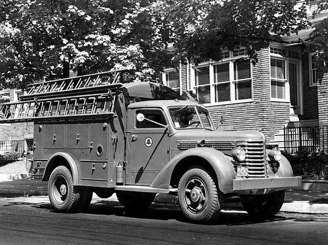 pictures of pickup trucks line truck 1940s trucks utility truck vintage trucks trucks pickup of pictures