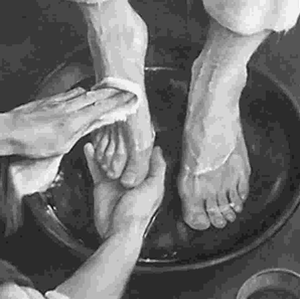 pictures of jesus washing feet new testament washing of feet pictures jesus