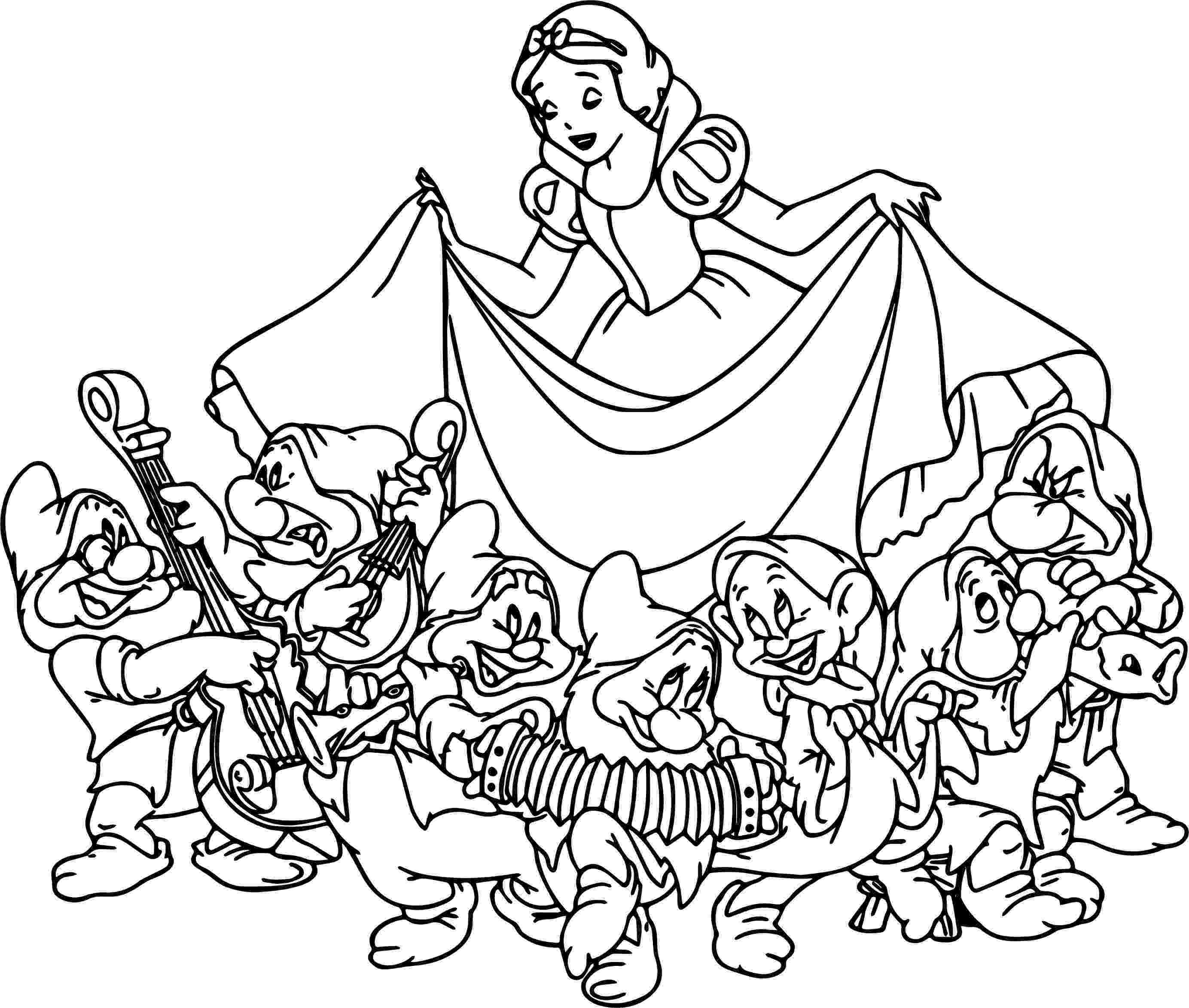 snow white and seven dwarfs coloring pages 17 beste afbeeldingen over tekeningen op pinterest dwarfs coloring seven white pages and snow